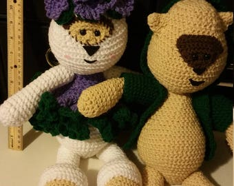 Crochet male and female bear