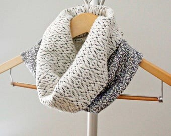 Handwoven Gray and White Cowl, Woven Scarf, Reversible Textured Cowl, Fall Accessory, Gray Cotton Cowl, Gift for Her, Soft Scarf, Boho Style