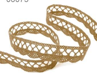 6075 - 18 mm beige cotton lace Ribbon