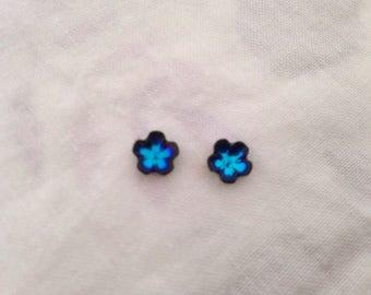 Cabochon Stud Earrings vintage flowers Bermuda blue swarovski crystal vintage 60s (Titanium needles)