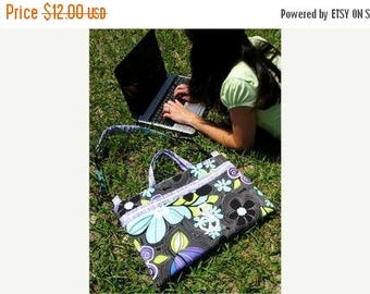 Sale Laptop Bag Pattern by Sue O'Very Designs - Paper Printed Pattern