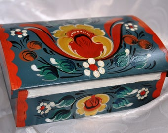 "Vintage Keepsake Box, Wooden, Handpainted, 6""x4""x2"" (15 cmx10cmx5cm)"