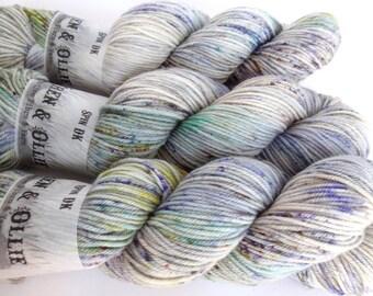 Spin DK Yarn Superwash Merino Handdyed Yarn: TIDE POOL