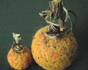 Primitive Pumpkins-Storybook Pumpkins-Set of 2 Small Folk Art Pumpkins -Handcrafted Wool/Needle Felt