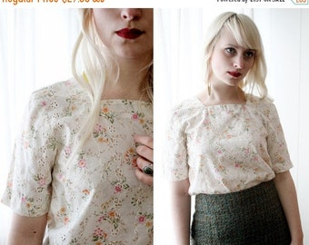FALL SALE Sweet vintage cream cotton eyelet floral print short sleeve top blouse lolita
