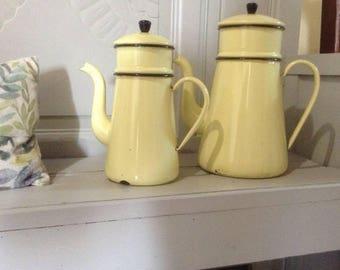 Large vintage French enamelware coffee pot, jug, yellow enamel, in good vintage condition, circa 1940