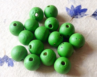 Pack of 15 Green Wooden Jewellery Craft Beads
