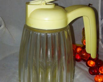 Retro Plastic Syrup Pitcher, Vintage Kitchen Syrup Serving