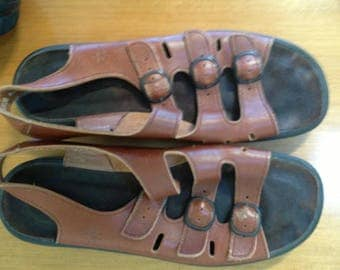 Vintage brown strapped Clark's Springers strappy sandals 8 M
