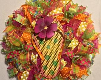 Sale flip flop wreath, summer wreath, flip flop decor, summer decor, wreath, mesh summer wreath, summer flip flop wreath, flip flop