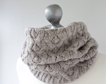 Amici cowl and hat kit - Bluefaced Leicester and Masham - natural pure wool