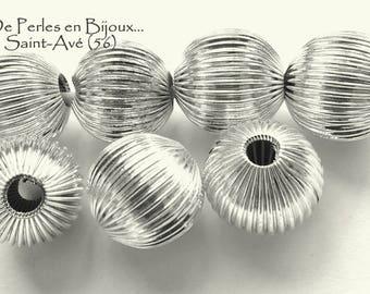 2 silver metal ridged round 16mm beads