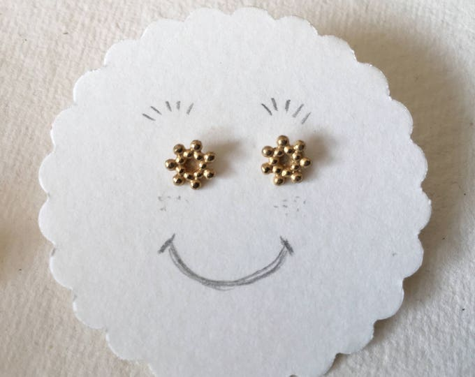 Mini earrings flower balls
