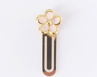 Pink daisy, metal bookmark