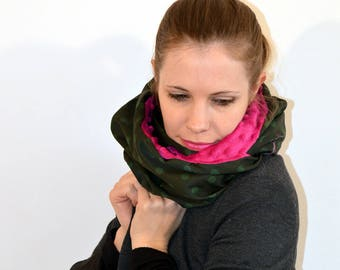 green and pink snood (106)