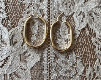 EARRINGS-14K Yellow Gold Estate Vintage OVAL HOOP Earrings Pierced Earrings 1980s Classic Yellow Gold Like New