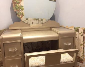 Waterfall Vanity with mirror and bench (i do not ship)