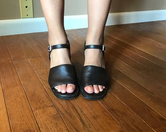 Double Strap Heel (Women's 8.5)