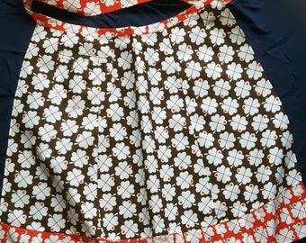 Vintage unused half apron with heart four-leaf