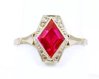 Made in France! Art Deco 18k White Gold and Platinum~ Ruby and Diamond Ring~ Lovely! Size 8