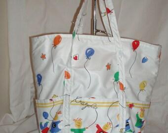 5 pocket crayola bag