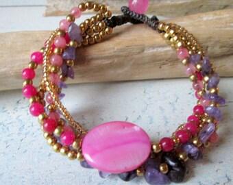 Bracelet * Pearl bracelet * Mother of pearl * hippie Boho look * pearls * Macramee * Pink