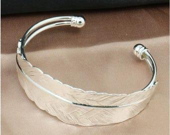 x 1 Bracelet with leaf Silver (SJ062)