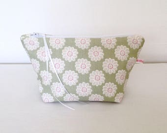 Make Up Bag, Cosmetic Bag, Pouch, Handbag Tidy, Hair Accessories Pouch, Purse, Gift for Her, Jewellery Pouch, Sewing Pouch, Daisy Bag