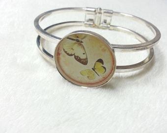 The butterfly silver Bangle Bracelet