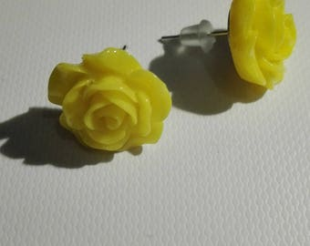 In the shape of rose - yellow 10mm Stud Earrings