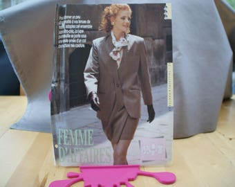 3 patterns woman 1 light tunic and fluid T38 44, a jacket and skirt portfolio T 38 to 44