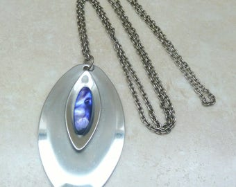 Vintage Stainless Steel Modernist Style Oval Necklace.