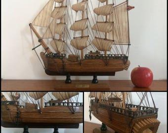 Vintage model ship - the Bounty