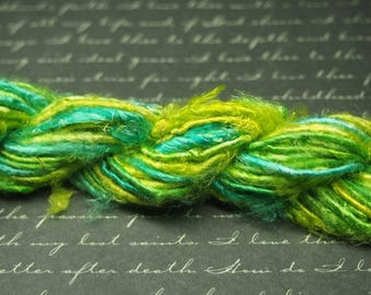 1 m of woven and dyed banana fibre green and yellow