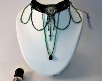 Crew neck collar velvet and pearls , velvet , burlesque , ras neck collar , gift for her , gift for a friend , jewel evening