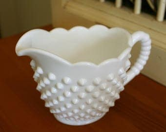 Large White Milk Glass Hobnail Creamer / Gravy Boat - EXCELLENT condition! Measures ~ 3.5 x 6 x 4 inches