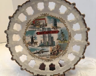 New York Decorative Plate ~ Gold & Silver Trim ~ World Trade Center ~ Empire State Bldg ~ Times Square ~ Statue of Liberty ~ Vintage
