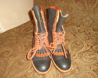 Navy Pebbled/Brown Leather Justin Boots 8 1/2B