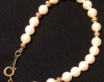 Retro Avon Children's Bracelet - Gold & Pearl - Vintage Costume Jewelry