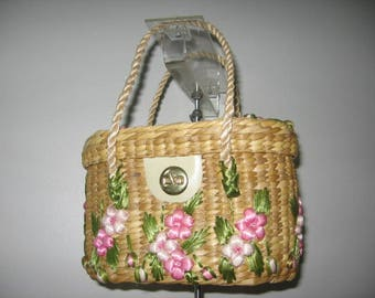 Vintage Handmade Straw Basket Purse!