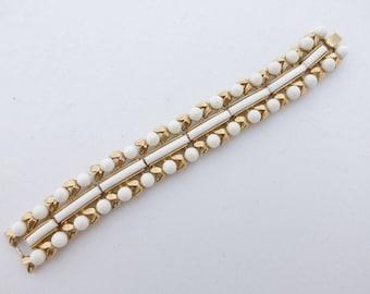 Crown Trifari Bracelet gold tone white beaded AA663