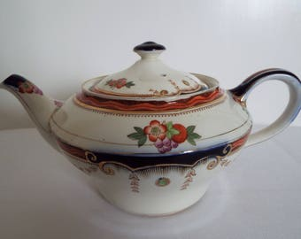 Vintage Crown Ford Teapot. 1930s Tea Pot With Hand Painted Flowers. Medium Teapot, Holds 5 cups. English Teapot, Ideal For Afternoon Tea