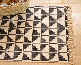 Small rug, black & white hand-woven rug, kitchen mat, bathmat, area rug