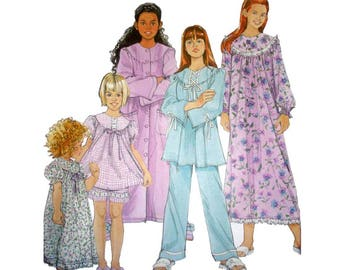 Girls Pajamas, Nightgown and Robe Sewing Pattern Child Size 3, 4, 5, 6 Children's Sleepwear Uncut Simplicity 5382