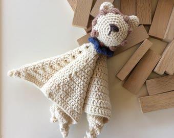 Eco friendly organic cotton crochet lion security cuddle blanket