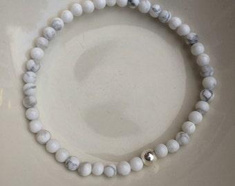 WHITE HOWLITE stretch Bracelet Sterling Silver, tiny gemstone bead Bracelet, small Beaded Bracelet, white Jewelry, Howlite jewelry jewellery