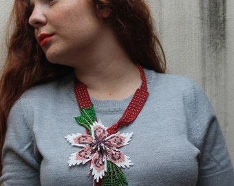 LAILA beaded necklace flower handmade by Mexican Huichol artisans =)