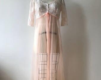 Vintage 1970s peignoir