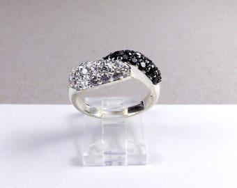 Sterling Silver 925 Diamonique Ring Black White DQ CZ Designer Infinity Love Knot Promise Wedding Engagement Push Present Anniversary Size 9