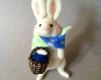 Needle felted white bunny rabbit with a basket, felted rabbit,needle felted rabbit, felted animals, needle felted animals, felted bunny